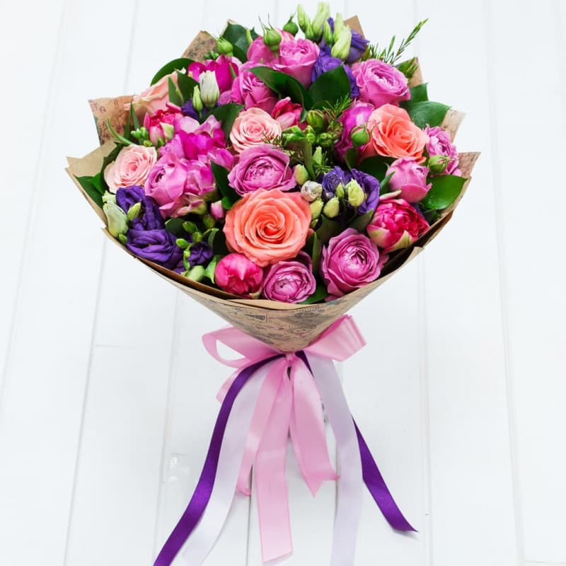 какие цветы дарят девушкам